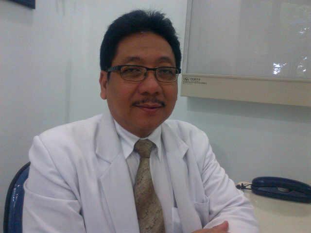 dr. Haryo Pratiknyo Poerbosuyoto, Sp.S.